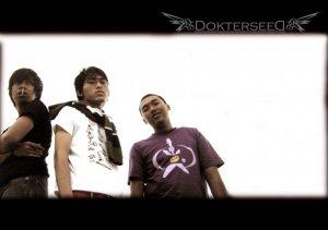 Kiri ke kanan: Tommy F.S.; Rino Rain; Adib Priambudi